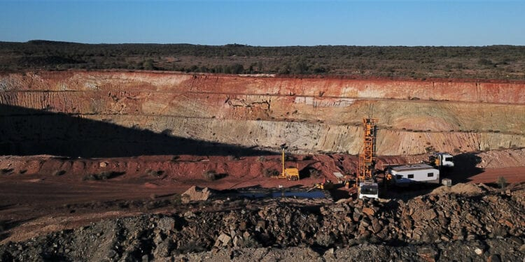 Kingwest Discovers New High-Grade Lode at Menzies