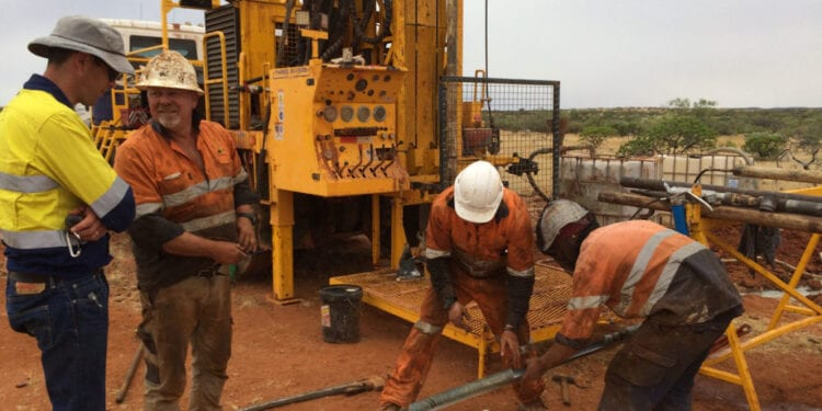 Hastings Contracts Yangibana Driller
