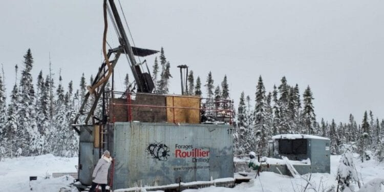 Amex Discovers New High-Grade Gold Structure At Perron